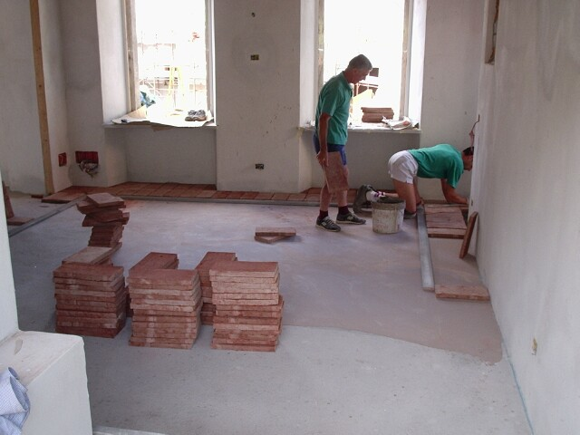 laying-terracotta-tiling.jpg